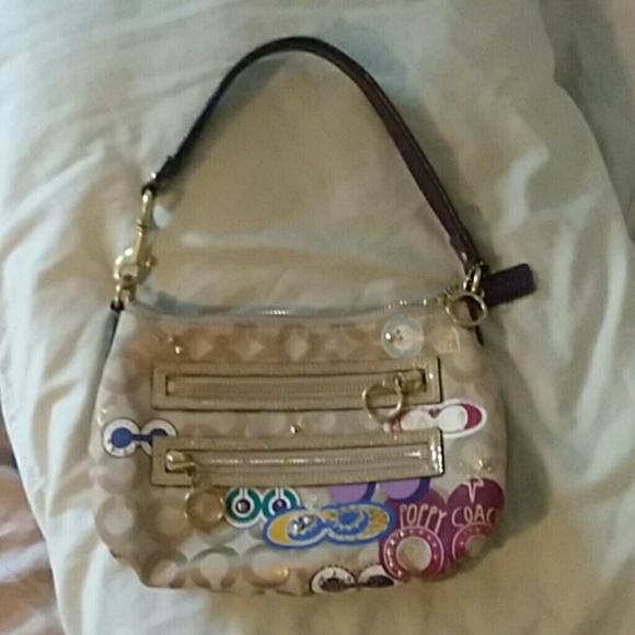 Coach Handbags - Coach poppy bag
